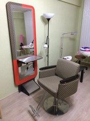Продам парикмахерское кресло и зеркало